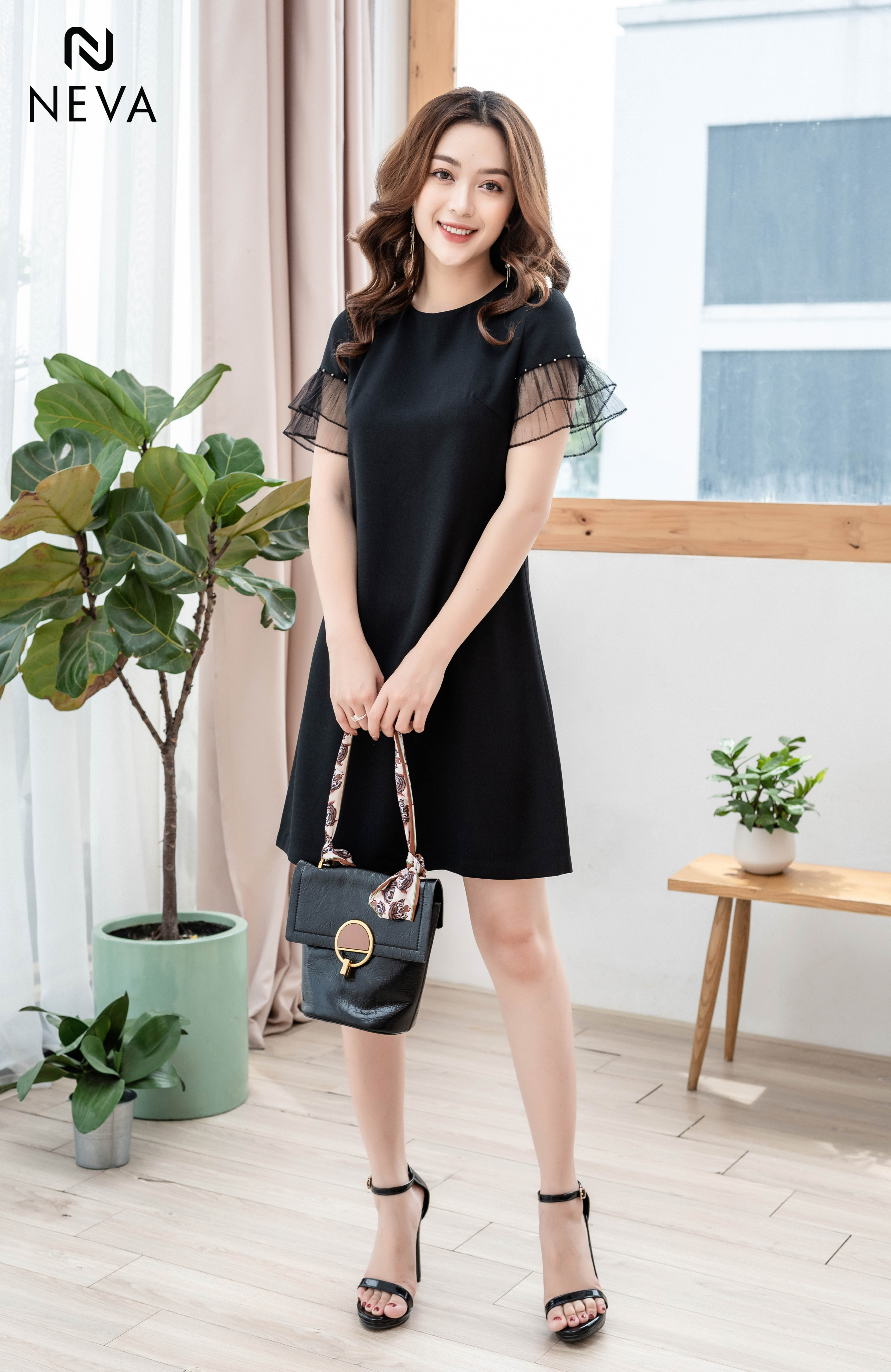 Thời trang nữ:  Xu hướng mẫu thiết kế váy đẹp cực HOT 19SNDK425-1,298,000%20(3)