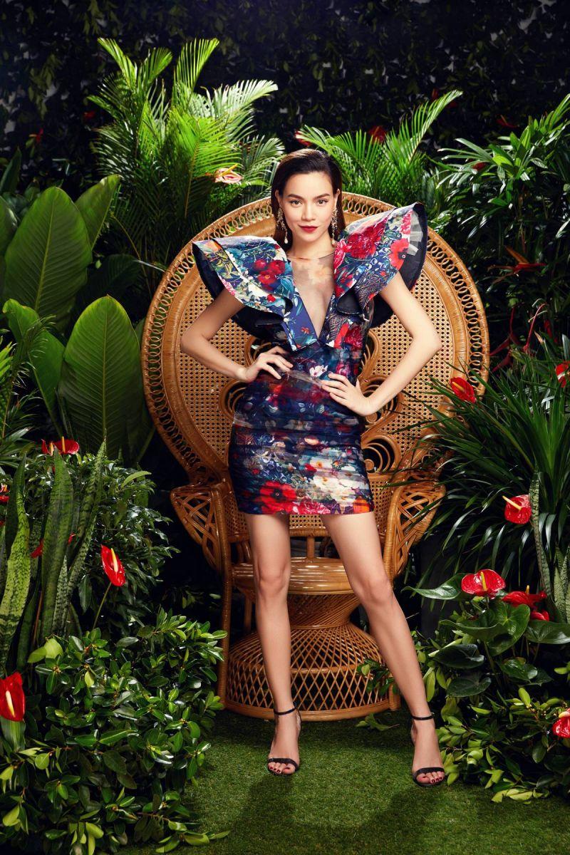 Nhan sắc, gu ăn mặc và cá tính riêng của Hà Hồ hòa hợp với tinh thần của thời trang Neva.