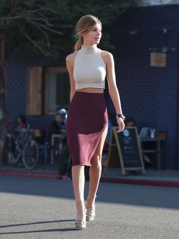 chân váy chữ a mặc với áo gì 11