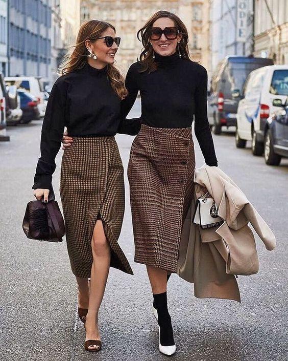 những ngày đông của mình trở nên thú vị và ấn tượng hơn thì những mẫu chân váy dài xẻ tà là một sự lựa chọn không tồi