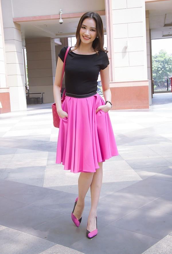 chân váy hồng kết hợp áo màu gì, chân váy hồng kết hợp với áo màu gì, chân váy hồng nên phối áo màu gì, chân váy hồng phối áo gì, chân váy màu hồng, váy màu hồng, váy hồng phối áo màu gì