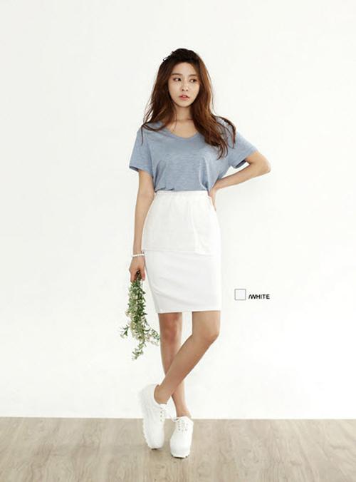 chân váy trắng mặc với áo gì 2