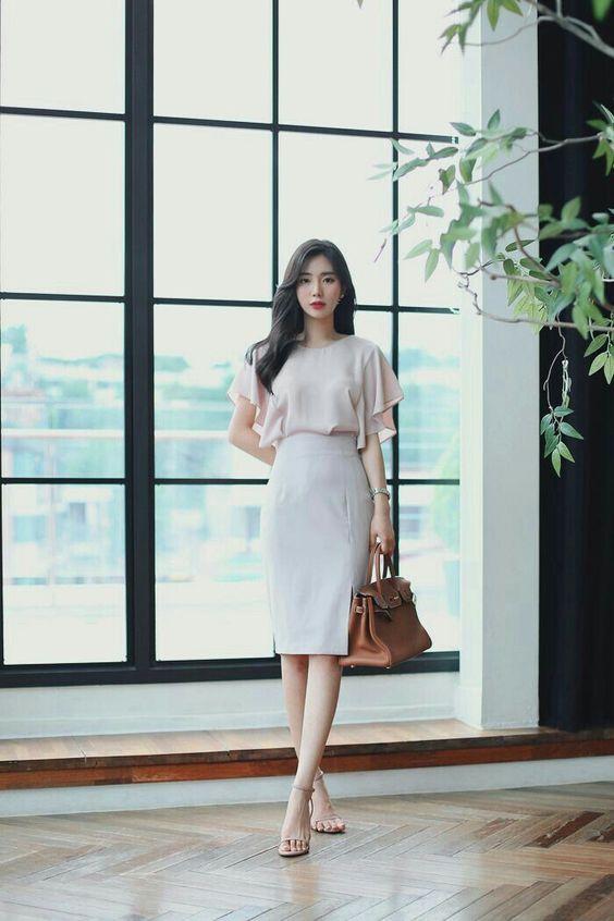 chân váy trắng mặc với áo gì 6