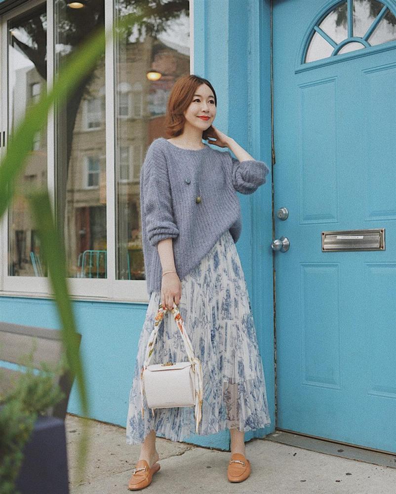 Chân váy vintage mặc với áo gì - áo len