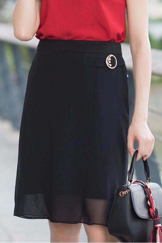 Ấn tượng với trang phục chân váy voan chữ A