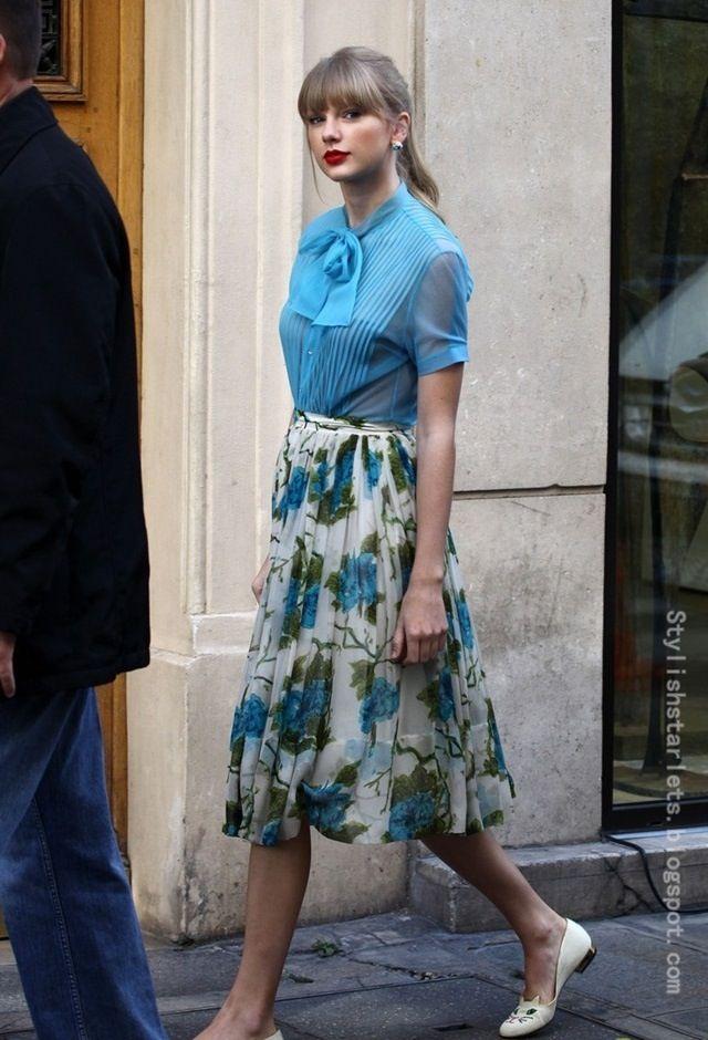 chân váy xòe hoa dài qua gối, chân váy hoa xòe dài, chân váy dài xoè mặc với áo gì, chân váy dài xòe kết hợp với áo gì 9