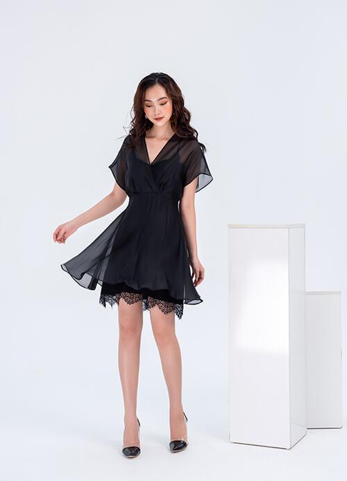 Nữ vai rộng mặc gì cho đẹp? Hay thử sắc đen thời thượng cùng vẻ đẹp sống mãi với thời gian của váy đầm xòe