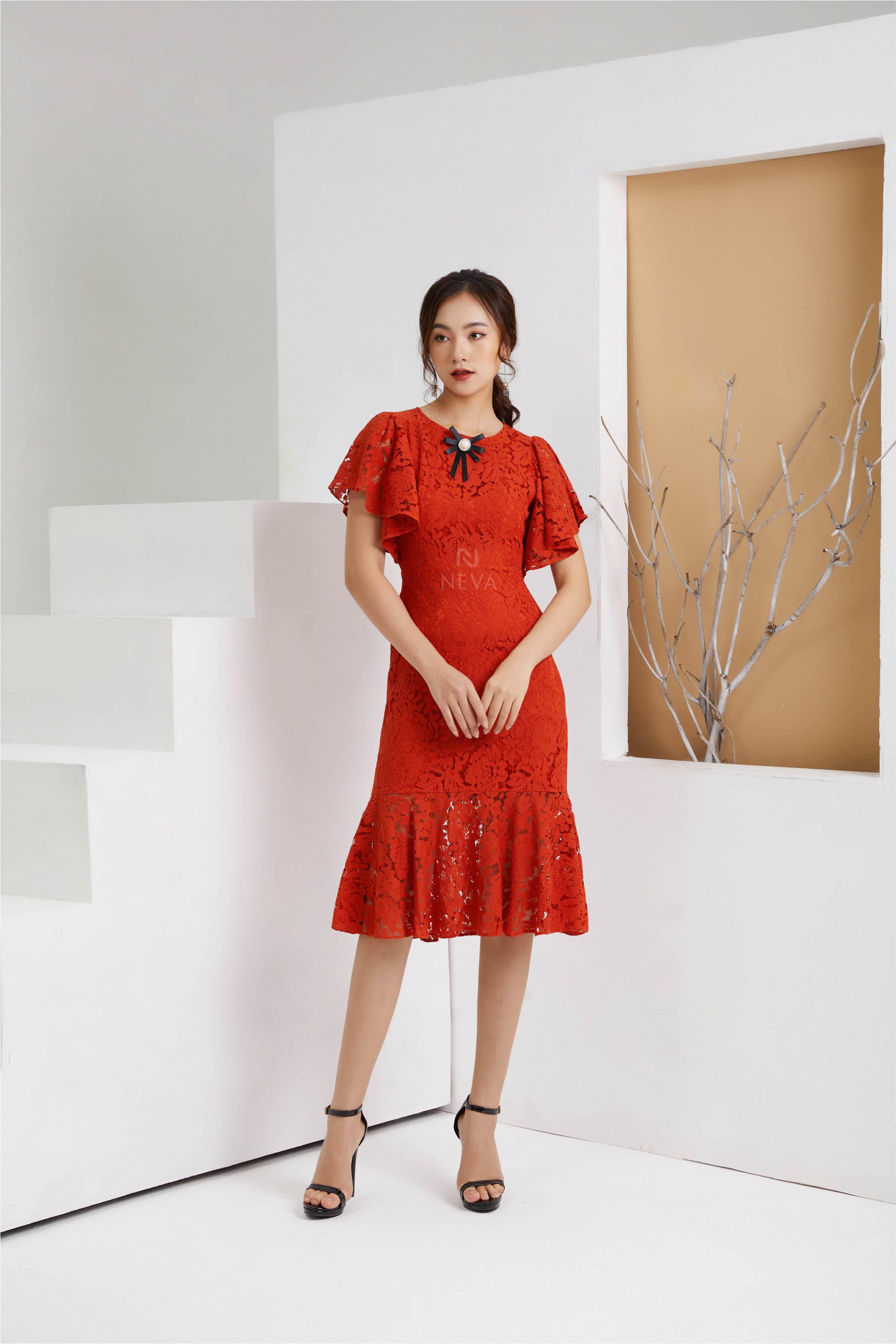 đầm đỏ mặc tết, váy đỏ diện tết, váy đỏ mặc tết