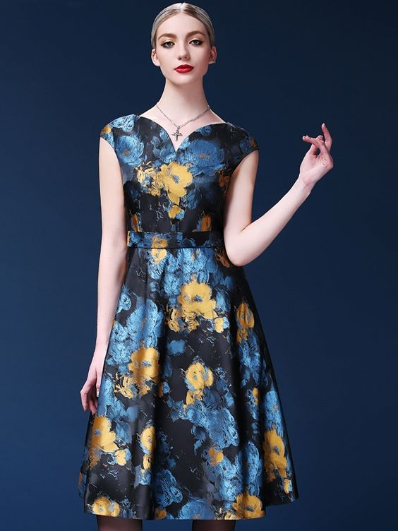 đầm hoa trung niên, đầm xòe hoa trung niên, đầm hoa tuổi trung niên, đầm hoa trung niên đẹp, váy hoa tuổi trung niên