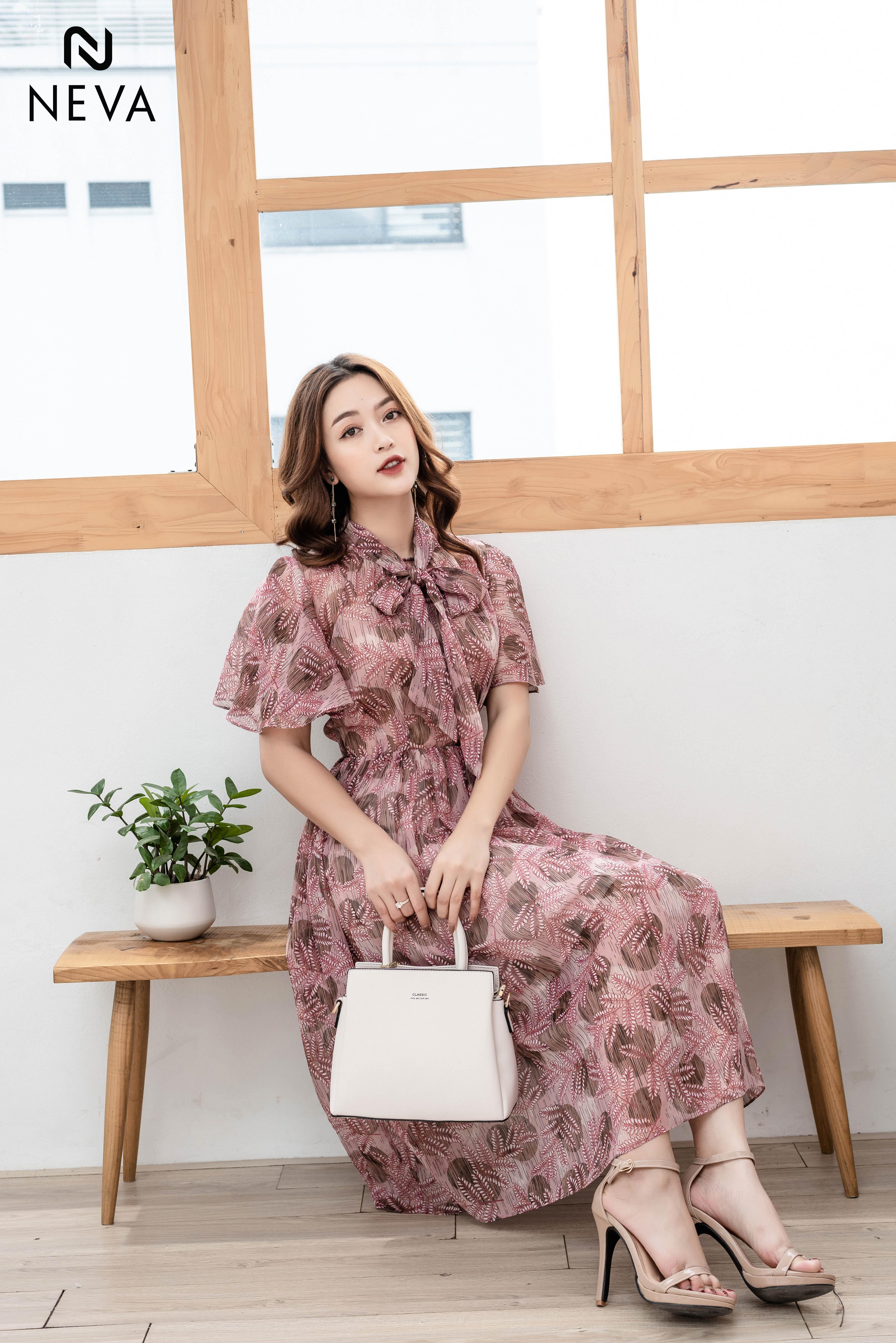 Thời trang nữ: Những mẫu váy hoa đẹp 2019 đang được yêu thích nhất Mau-vay-hoa-dep-2019%20(1)
