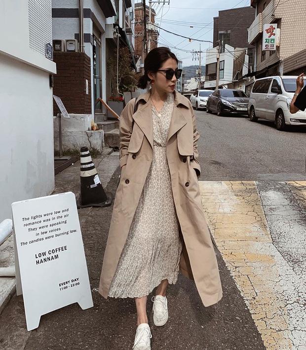 Công thức 5: Váy suông + trench coat