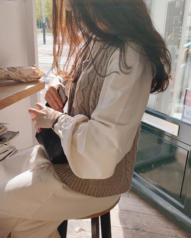 Công thức 4: Áo len gile + áo sơ mi