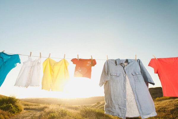 cách khắc phục quần áo ra màu, cách làm quần áo hết ra màu, cách khắc phục quần áo ra màu, cách làm quần áo hết ra màu, khắc phục quần áo ra màu, cách xử lý quần áo bị ra màu, cách giặt quần áo bị ra màu, quần áo bị ra màu phải làm sao, làm sao để quần áo không ra màu, cách ngâm quần áo với giấm, cách tẩy trắng quần áo bị phai màu, cách giữ màu quần áo, cách giữ màu quần áo nhuộm, khắc phục quần áo bị lem màu, khắc phục quần áo bị lem màu bằng baking soda, khắc phục quần áo bị lem màu bằng giấm, khắc phục quần áo bị lem màu bằng oxy già, lưu ý giúp quần áo không ra màu, cách giặt quần jean không ra màu, cách giặt đồ mới mua không ra màu, cách ngâm quần áo không ra màu, cách giặt quần áo không bị lem màu, phân loại màu sắc quần áo khi giặt, quần jean mới mua bị ra màu, cách làm quần áo không ra màu, cách tẩy quần áo màu bị lem màu khác, cách giặt quần jean mới mua không bị phai màu, cách phân loại quần áo khi giặt quần áo, mẹo giặt quần jean không ra màu, cách giặt quần jean không ra màu