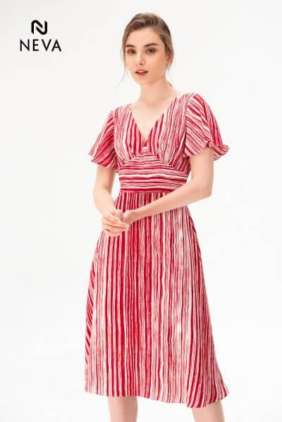 Váy cho người vòng 1 nhỏ - Bảo bối giúp nàng thêm tự tin,Kiểu mix&match váy cho người vòng 1 nhỏ,váy đầm cho người vòng 1 nhỏ,váy cho người vòng 1 nhỏ,váy cho người vòng 1 lép,váy đầm cho người ngực lép,ngực lép mặc gì đẹp,trang phục dành cho lép,