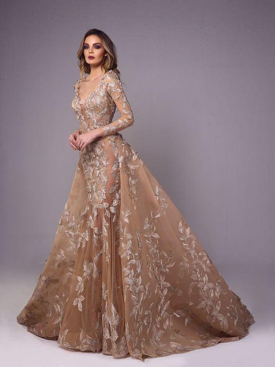 Váy đầm dạ hội u50 với thiết kế tay dài voan mỏng