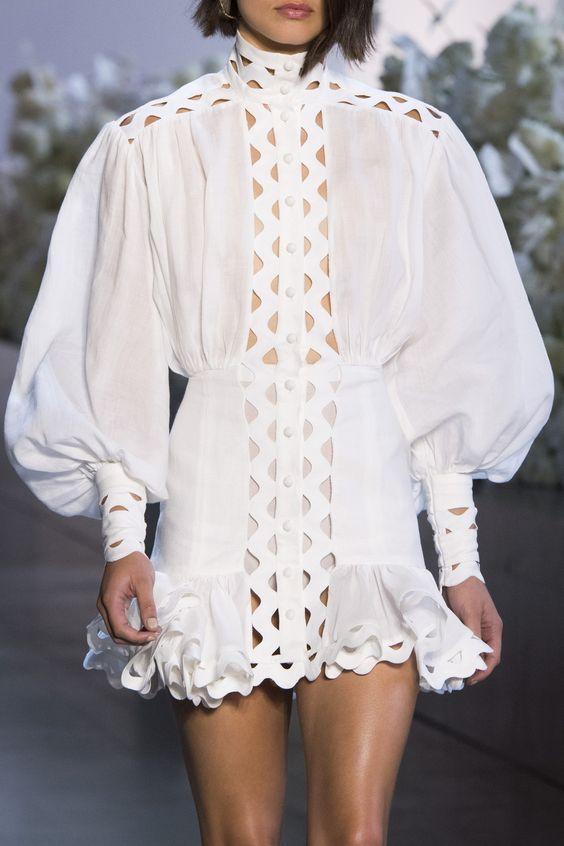Một thiết kế váy đầm tay bồng giúp nàng trở nên thật ấn tượng, sành điều