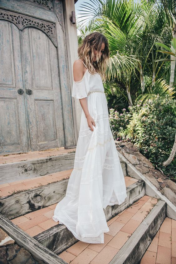 đầm maxi trễ vai, váy maxi trắng trễ vai, đầm maxi trễ vai màu trắng, váy maxi trễ vai, váy maxi voan trễ vai