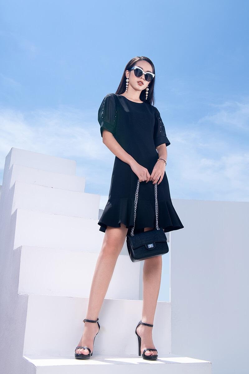đầm đen phối túi xách màu gì, váy đen kết hợp với túi màu gì, đầm đen mang túi màu gì, đầm đen phối với túi xách màu gì, cách phối đồ với túi xách màu đen, mặc đầm đen mang túi màu gì, váy đen kết hợp túi màu gì, váy đen mang túi màu gì, đầm đen nên mang túi màu gì
