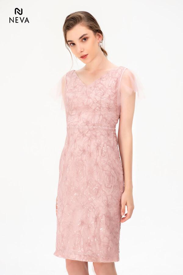 Thời trang nữ: Các kiểu váy liền thân ôm sát để nàng tự tin đọ dáng Vay-lien-than-om-sat3