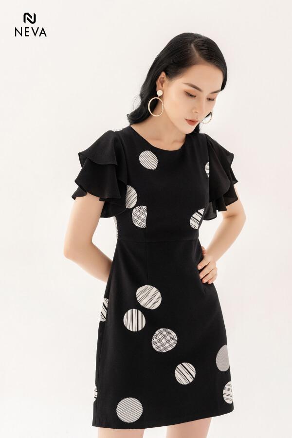 Thời trang nữ: Các kiểu váy liền thân ôm sát để nàng tự tin đọ dáng Vay-lien-than-om-sat7