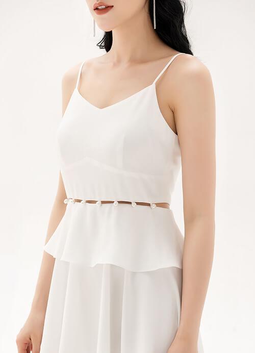 váy trắng đi biển